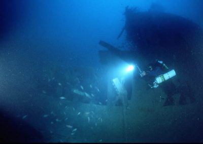 Craig Challen at fallen cruise stern